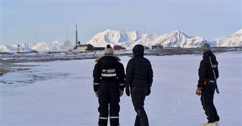 Telegraph Route to Isfjord Radio - Basecamp Spitsbergen
