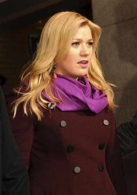 Kelly Clarkson Weight Height Measurements Bra Size Ethnicity