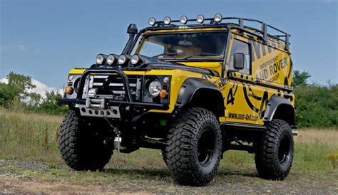 4 Super-Lift Kit - Same spec as 5 Fitted to Our Defender