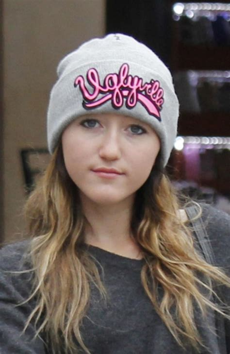 Noah Cyrus asks fans to 'pray' for her family - NY Daily News