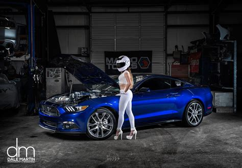 The Stig's Wife Checks Out a 2015 Ford Mustang - autoevolution