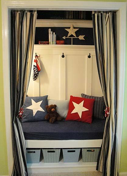 Make A Reading Nook Out of A Closet {Pretty Handy Girl